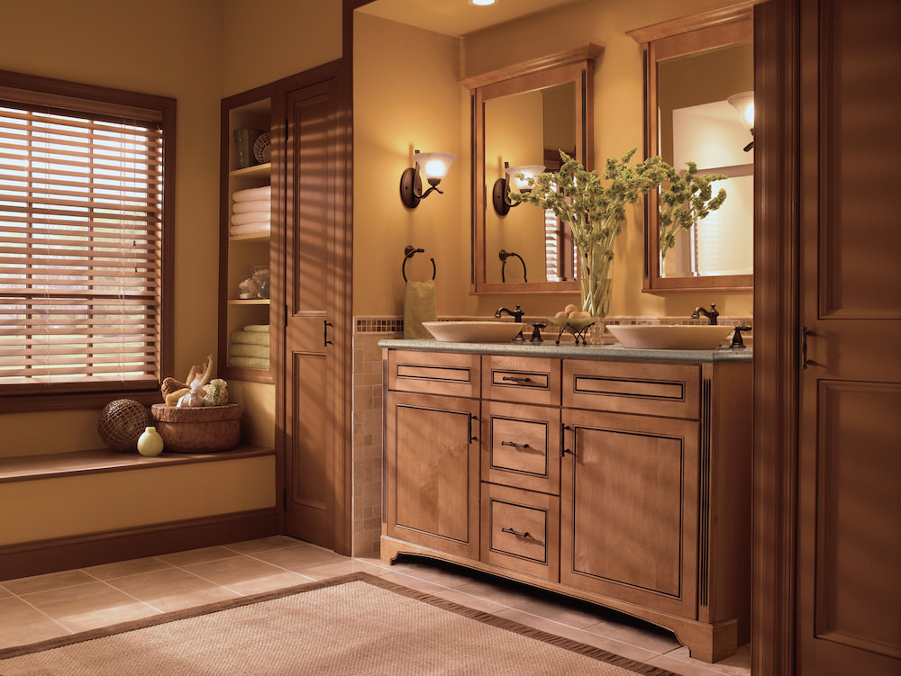 Kraftmaid-Bathroom-Traditional-01